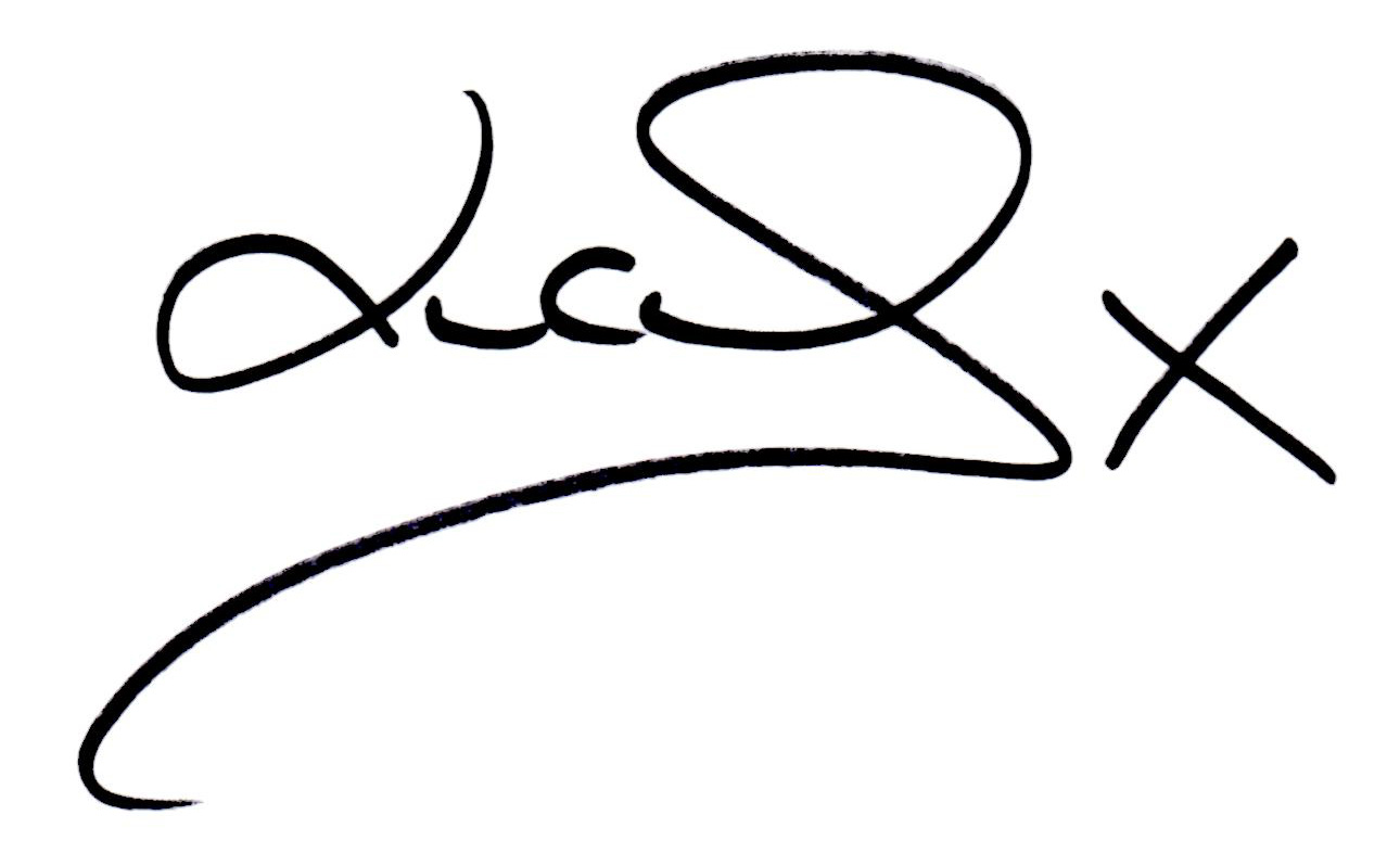 Lucy-loves-signature