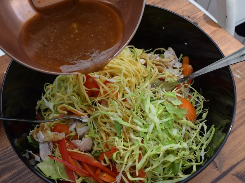 Summer-salad-noodle-bowl-recipe-lucyloves-foodblog