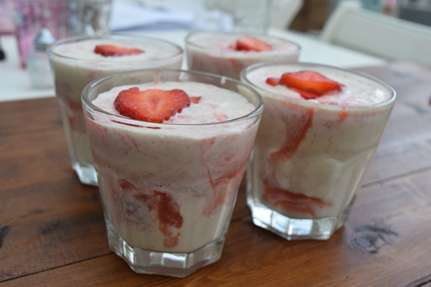 Strawberry-panna-cotta-recipe-lucyloves-foodblog