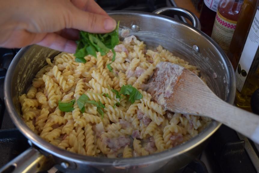 One-pot-garlic-parmesan-pasta-recipe-lucyloves-foodblog