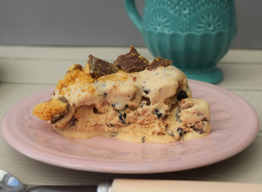 Loaded-caramel-ice-cream-cake-recipe-lucyloves-foodblog