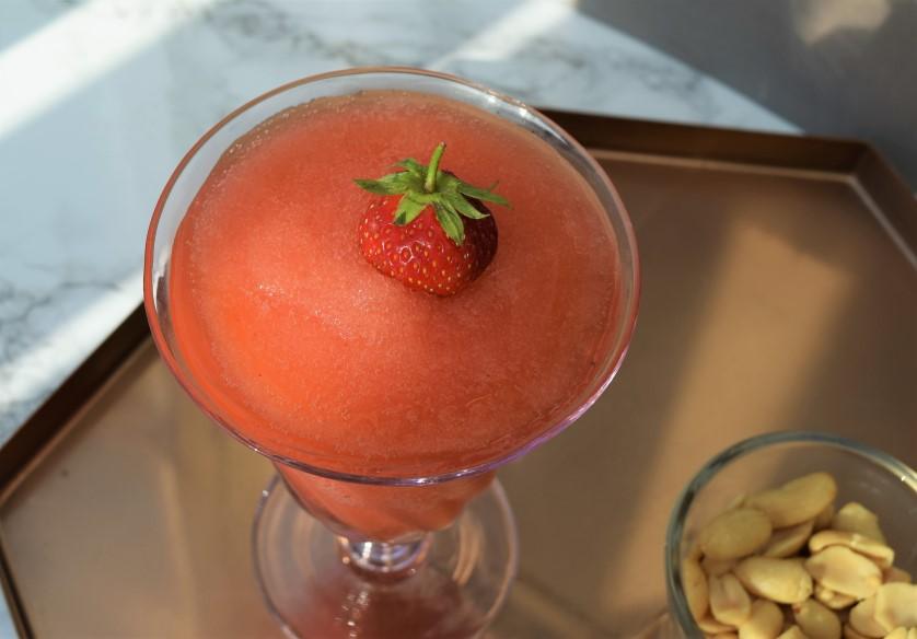 Strawberry -Rosé-Slushy-Cocktail-recipe-lucyloves-foodblog