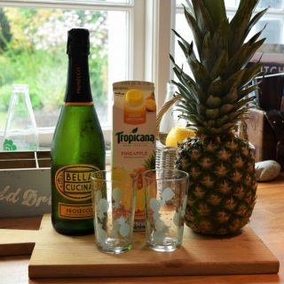 Pineapple-mimosa-recipe-lucyloves-foodblog