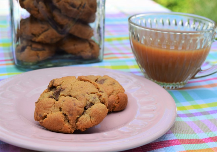 Peanut-butter-chocolate-chip-cookies-recipe-lucyloves-foodblog