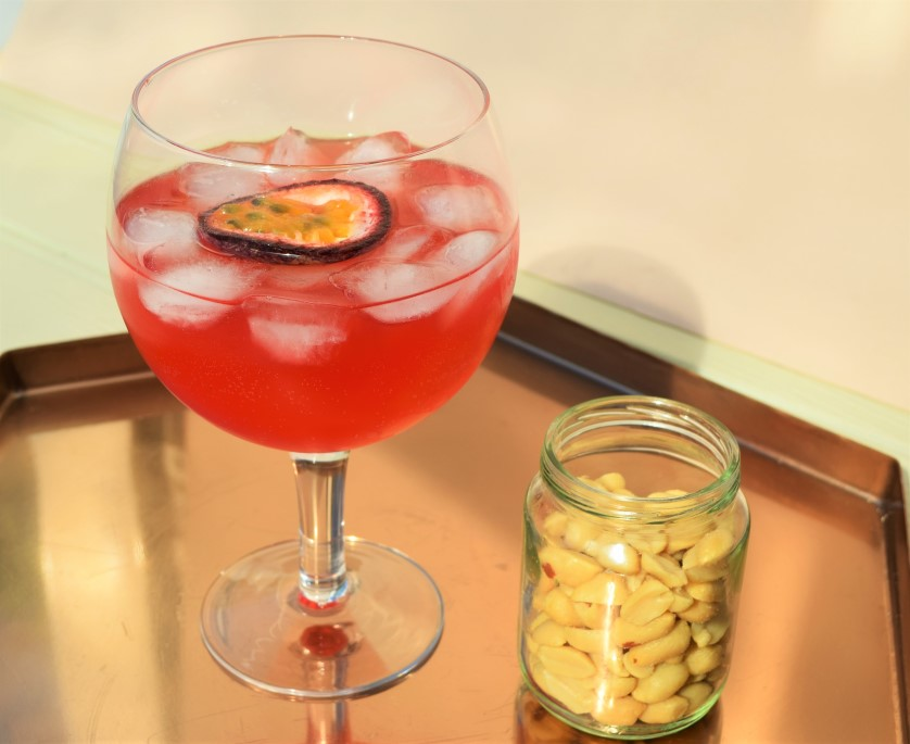 Passionfruit-cranberry-fizz-recipe-lucyloves-foodblog