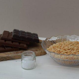 Sea-salt-chocolate-krispie-slab-lucyloves-foodblog