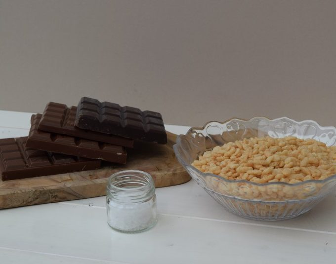 Sea-salt-chocolate-krispie-slab-lucyloves-foodblog