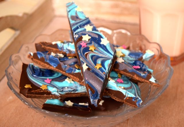 Night-sky-chocolate-bark-recipe-lucyloves-foodblog