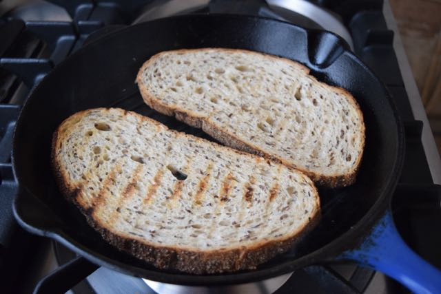 Avocado-chickpea-basil-toast-recipe-lucyloves-foodblog