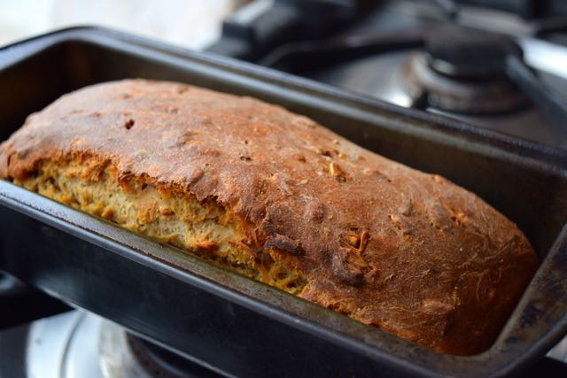 Seeded-brown-loaf-recipe-lucyloves-foodblog