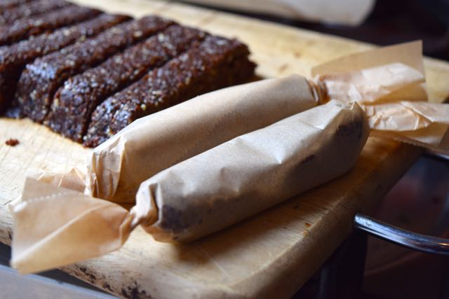 Homemade-nakd-bars-recipe-lucyloves-foodblog