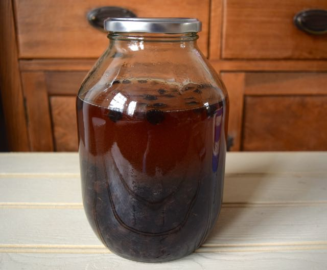 Homemade-sloe-gin-recipe-lucyloves-foodblog