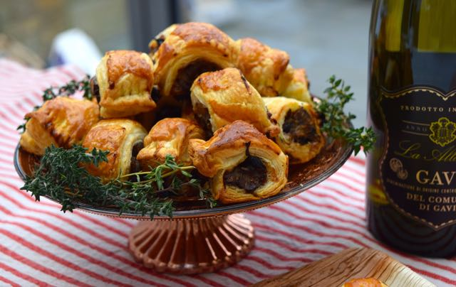 Stuffing-sausage-rolls-recipe-lucyloves-foodblog
