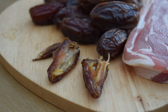 Dates-in-bacon-recipe-lucyloves-foodblog