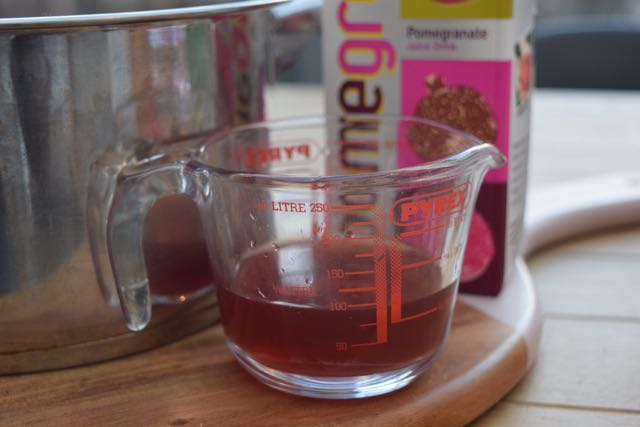 Pomegranate-mulled-wine-recipe-lucyloves-foodblog