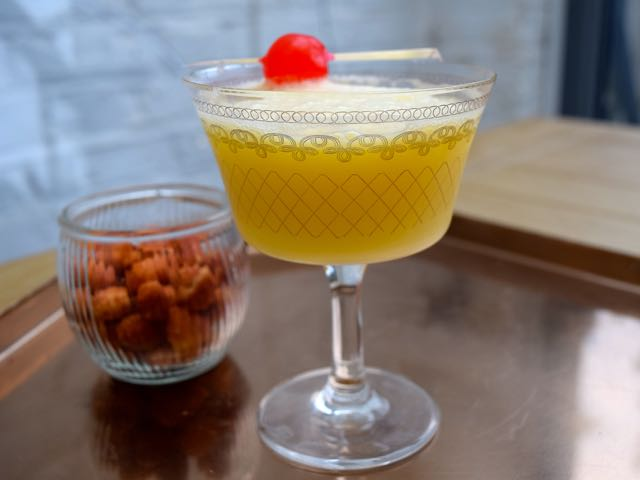 Snowball-cocktail-recipe-lucyloves-foodblog