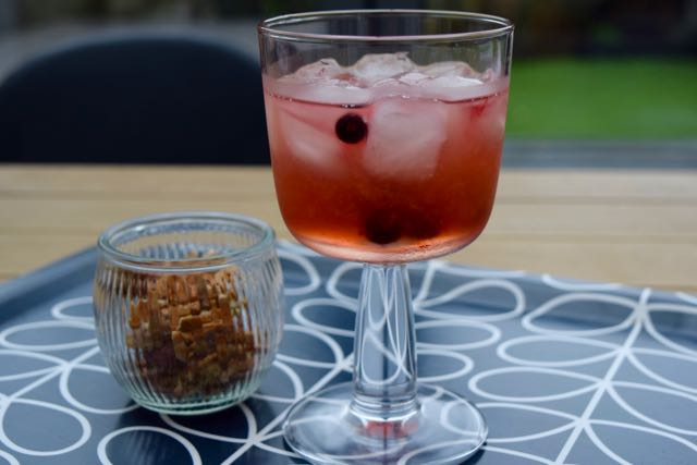 Sloe-bramble-cocktail-recipe-lucyloves-foodblog
