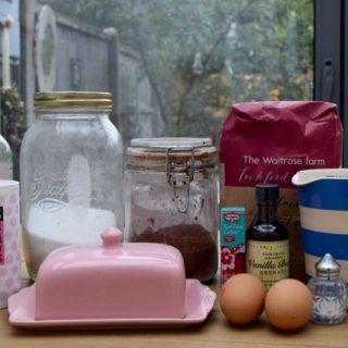 Red-velvet-cake-recipe-lucyloves-foodblog