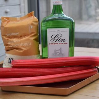 Rhubarb-gin-recipe-lucyloves-foodblog