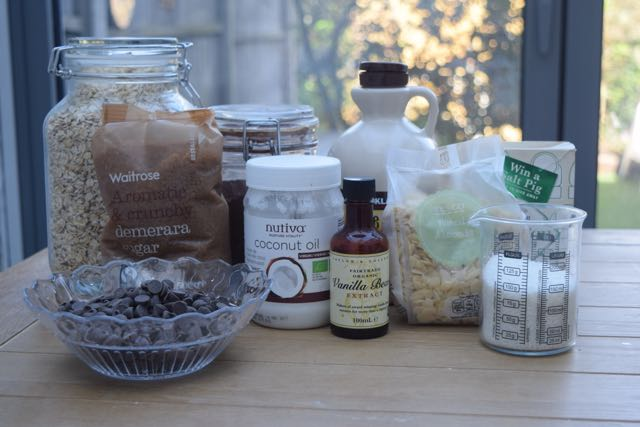 Chocolate-granola-recipe-lucyloves-foodblog