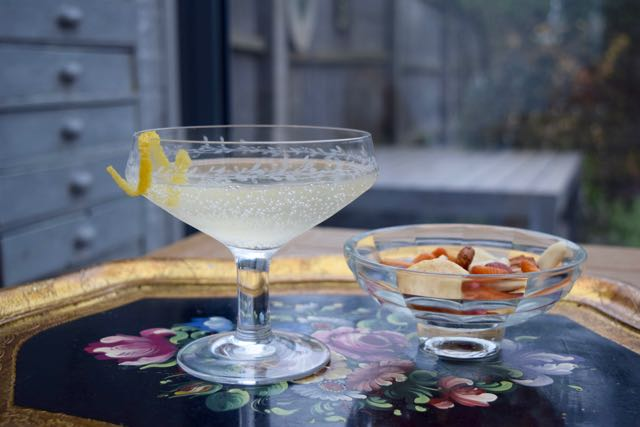 French-77-cocktail-recipe-lucyloves-foodblog