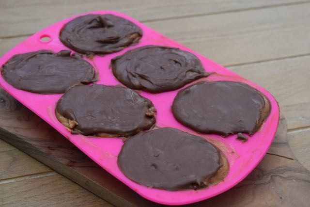 Chocolate-peanut-butter-eggs-recipe-lucyloves-foodblog