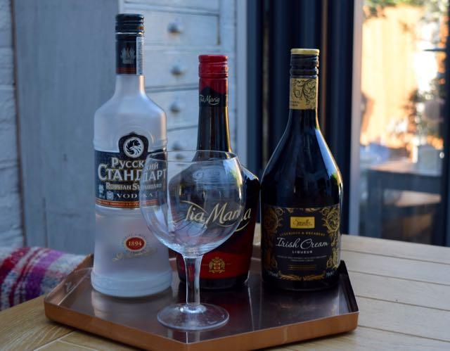 Mudslide-cocktail-recipe-lucyloves-foodblog
