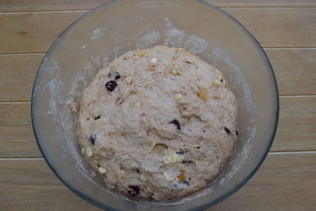 Giant-Cranberry-white-chocolate-hot-cross-bun-recipe-lucyloves-foodblog