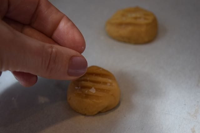 Sea-salt-peanut-butter-biscuits-recipe-lucyloves-foodblog