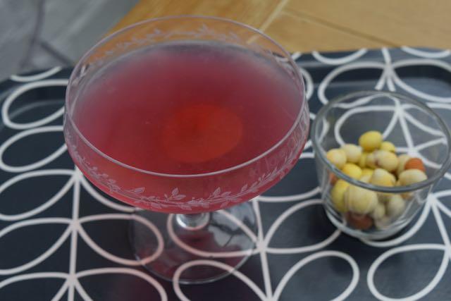 Cosmopolitan-cocktail-recipe-lucyloves-foodblog