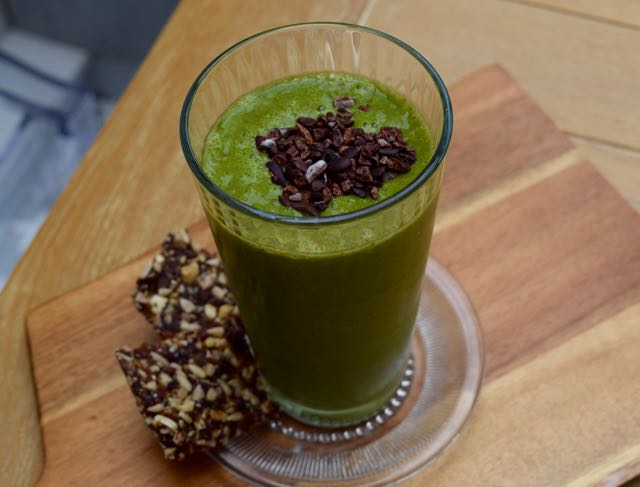 Green-Mint-Choc-chip-smoothie-recipe-lucyloves-foodblog
