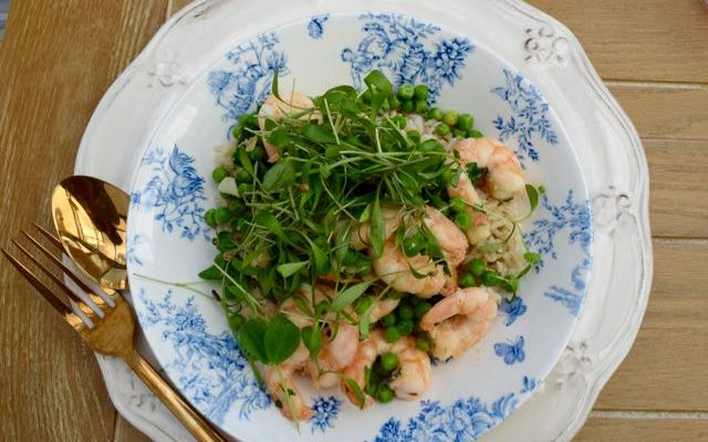 Fresh Garlic Prawns with Peas