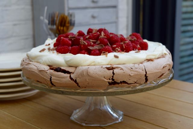 Raspberry-chocolate-pavlova-recipe-lucyloves-foodblog