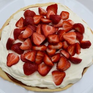 Simple-caramel-strawberry-tart-recipe-lucyloves-foodblog