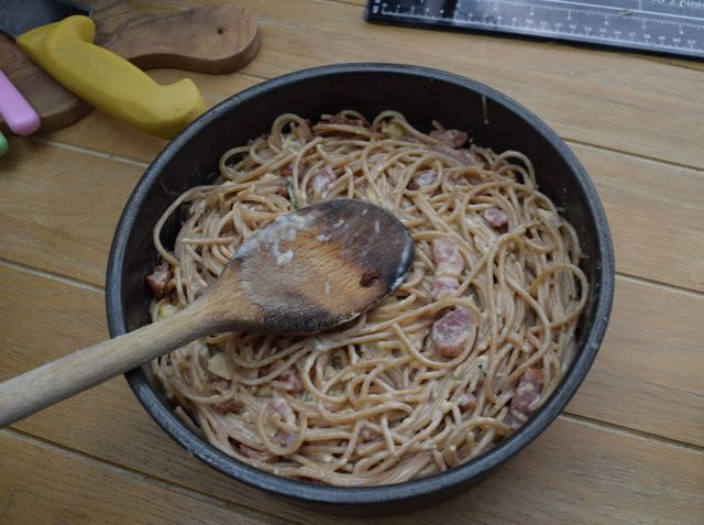 Spaghetti-carbonara-pie-recipe-lucyloves-foodblog