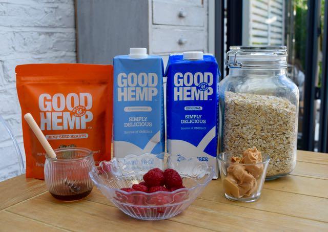 Peanut-butter-raspberry-fridge-porridge-recipe-lucyloves-foodblog