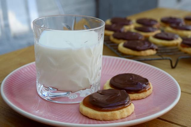 Chocolate-Caramel-Twix-style-biscuits-recipe-lucyloves-foodblog