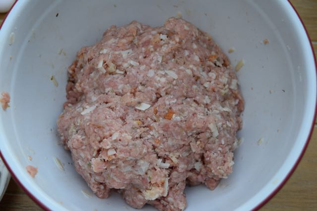 Big-pork-meatball-recipe-lucyloves-foodblog