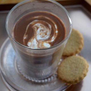 Caramel-rum-hot-chocolate-recipe-lucyloves-foodblog