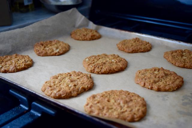 Ginger-oat-crunchies-recipe-lucyloves-foodblog