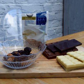 Chocolate-almonds-cherries-sea-salt-recipe-lucyloves-foodblog