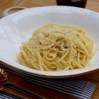 Spaghetti-cacio-e-pepe-recipe-lucyloves-foodblog