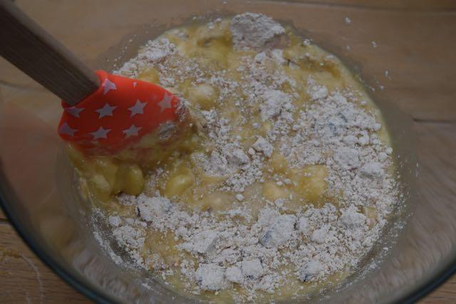 Sugar-free-banana-muffins-recipe-lucyloves-foodblog