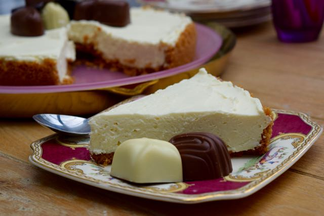 White-chocolate-cheesecake-recipe-lucyloves-foodblog