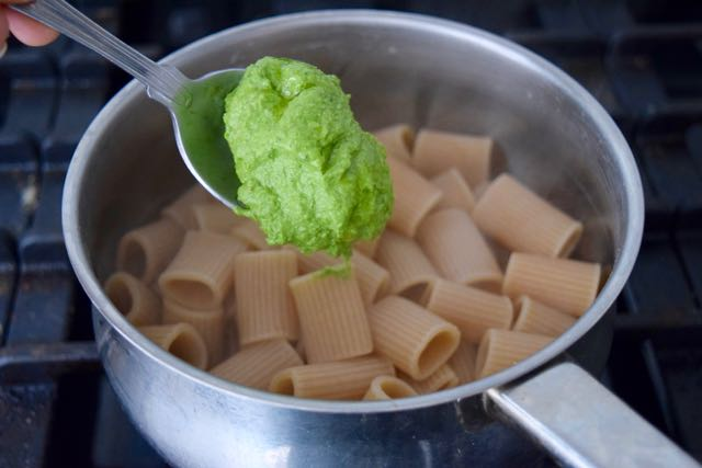 Wild-garlic-pesto-recipe-lucyloves-foodblog