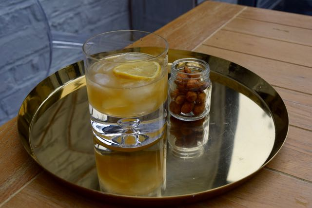 Gold-rush-cocktail-recipe-lucyloves-foodblog
