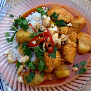 Chicken-cashew-massaman-curry-recipe-lucyloves-foodblog