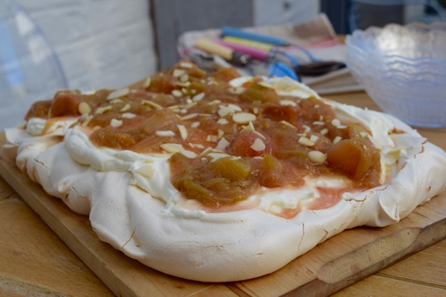 Rhubarb-meringue-tray-bake-recipe-lucyloves-food-blog