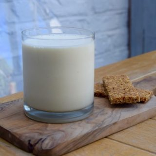Fresh-lemon-smoothie-recipe-lucyloves-foodblog