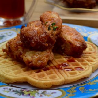 Fried-chicken-waffles-sriracha-maple-syrup-lucyloves-foodblog